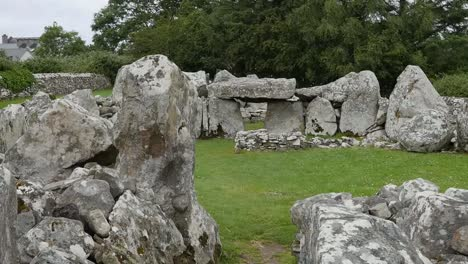 Ireland-Creevykeel-Court-Tomb