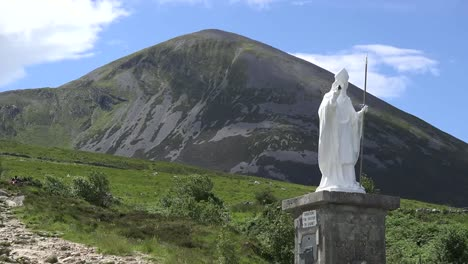 Ireland-Croagh-Patrick-Statue-And-Path-Up-Mountain-Zoom