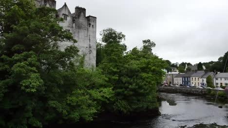 Irlanda-Donegal-Town-Castillo-Por-El-Río-Eske