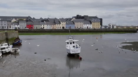 Ireland-Galway-Bay-Boats-At-Low-Tide-With-Houses-On-The-Opposite-Bank-Pan