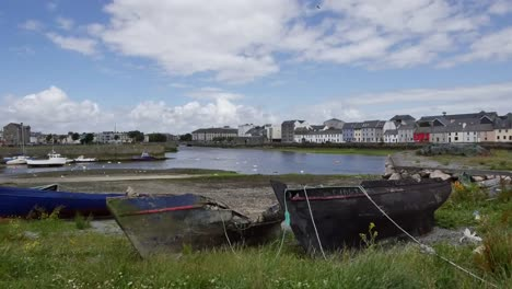 Ireland-Galway-Bay-Broken-Boats-Sit-On-The-Shore-Of-The-Bay