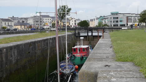 Ireland-Galway-City-Boats-In-A-Lock-Wait-For-Water-To-Rise