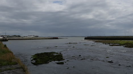 Ireland-Galway-City-Tide-Flowing-Out-To-Sea
