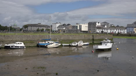 Ireland-Galway-City-Boats-Sit-In-Mud-At-Low-Tide