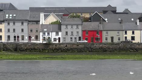 Ireland-Galway-City-Colorful-Houses-Line-The-Bay-Pan