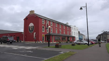 Ireland-Mullaghmore-Buildings-On-A-Street-