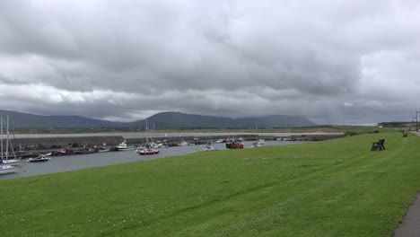 Ireland-Mullaghmore-Lawn-And-Boat-Harbor