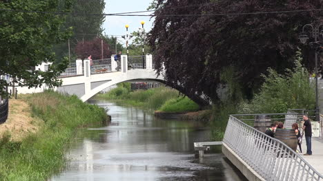 Ireland-Tullamore-Zooms-Out-From-Bridge-Over-Canal
