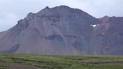 Iceland-Golden-Circle-Mountain-Peak