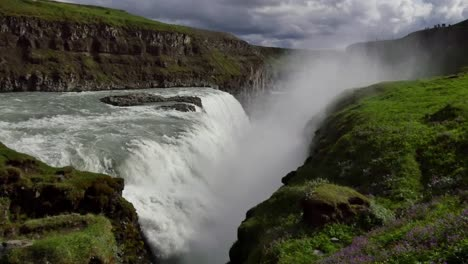 Iceland-Gullfoss-Waterfall-Plunging-Into-Crevice