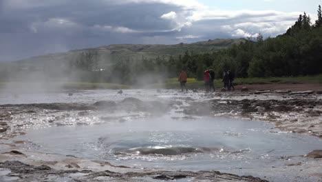 Iceland-Haukadalur-Strokkur-Geyser-In-Slow-Motion