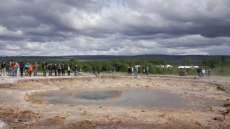 Iceland-Haukadalur-Strokkur-Geyser-Sucks-Water-Into-The-Vent