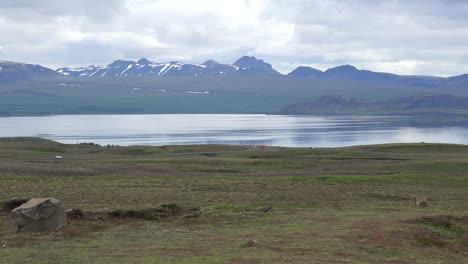 Iceland-Landscape-Mountains-And-Lake-Pingvallavatn-Pan