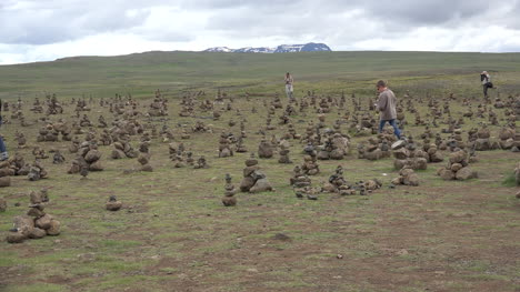 Iceland-Landscape-Woman-Taking-A-Picture