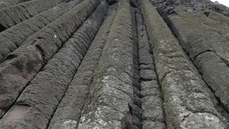 Northern-Ireland-Giants-Causeway-Columns-Extend-Upward-