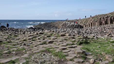 Northern-Ireland-Giants-Causeway-With-Hexagonal-Stones-In-Foreground