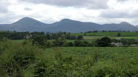 Northern-Ireland-Mountains-Of-Mourne-Across-Fields-