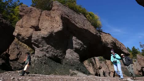 Canada-New-Brunswick-Hopewell-Rocks-With-Tourists-Exploring