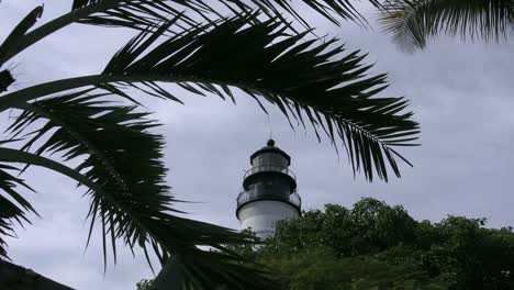 Florida-Key-West-Lighthouse-Framed-In-Palm-Fronds