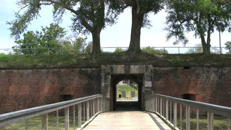 Louisiana-Fort-Jackson-Closed-Entry