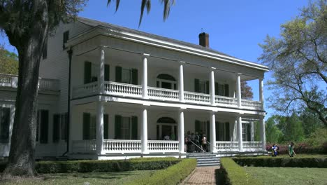 Louisiana-Rosedown-Plantation-House-Side-View