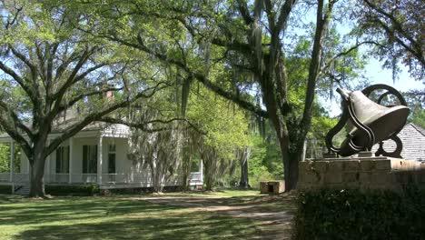 Louisiana-Rosedown-Plantation-Bell