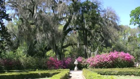 Louisiana-Rosedown-Plantation-Garden-Path