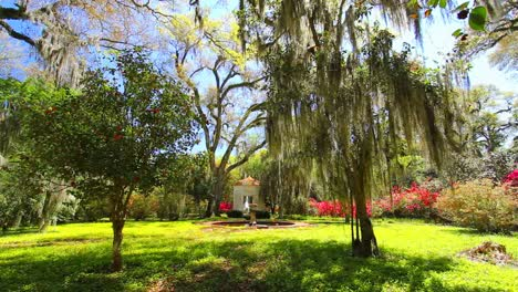 Louisiana-Rosedown-Plantation-Gardens-Fountain-And-Garden-House