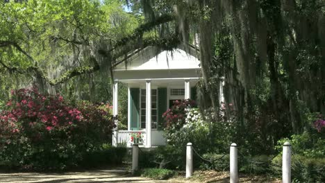 Louisiana-Rosedown-Plantation-Small-House