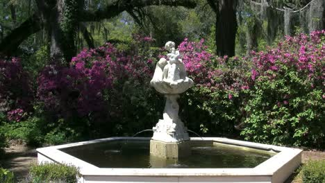 Louisiana-Rosedown-Fountain-In-Garden