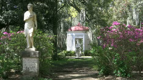Louisiana-Rosedown-Garden-Statue-And-Fountain
