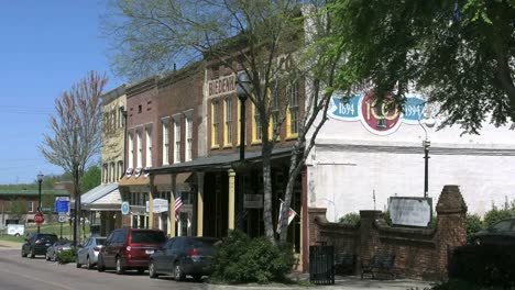 Mississippi-Vicksburg-Old-Town-Historic-Buildings