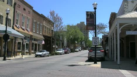 Mississippi-Vicksburg-Old-Town-Street