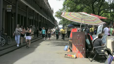 New-Orleans-French-Quarter-Sun-&-Shade