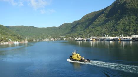 American-Samoa-Pago-Pago-Tug-Boat-With-Wake