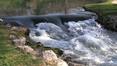Arkansas-Mammoth-Spring-Flowing-Water