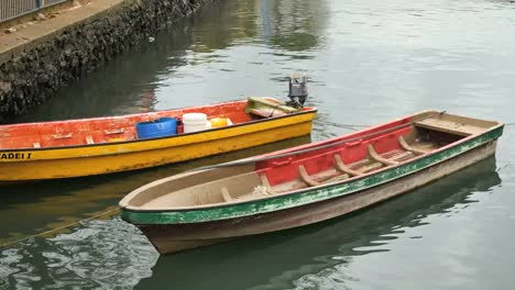 Fiji-Suva-Boats-In-Stream