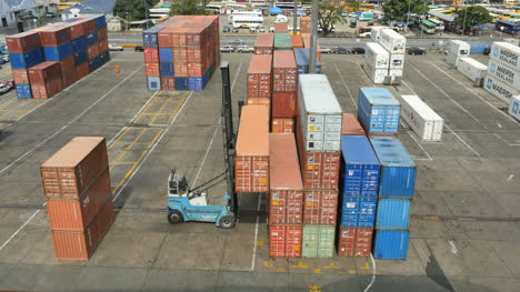 Fiji-Suva-Docks-Lifting-Container-Onto-Stack