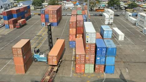 Fiji-Suva-Docks-Lifting-Container