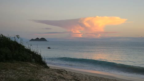 Oahu-Waimanalo-Sunrise-Cloud-And-Waves-Mov