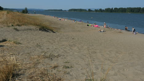 Oregon-Columbia-River-Beach-With-People