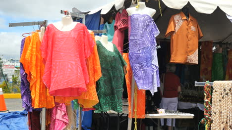 Samoa-Cloths-In-Market