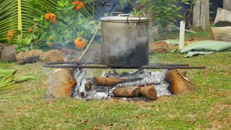 Samoa-Cooking-Pot
