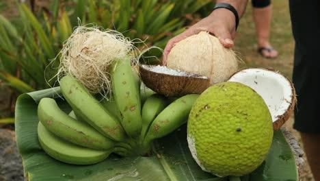 Samoa-Food-With-Hand