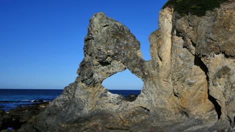 Australia-Blue-Sky-Behind-Australia-Rock