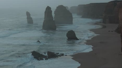 Australia-Great-Ocean-Road-12-Apostles-After-Sunset-Zoomed-In