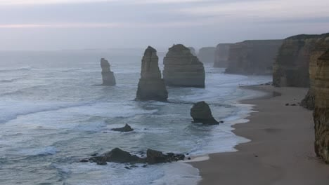 Australia-Great-Ocean-Road-12-Apostles-After-Sunset