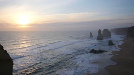 Australia-Great-Ocean-Road-12-Apostles-Low-Sun