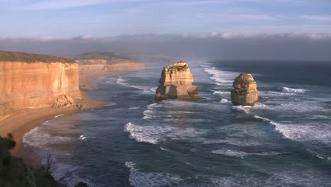 Australia-Great-Ocean-Road-12-Apostles-Sea-Stacks-Golden-Light-Eastward