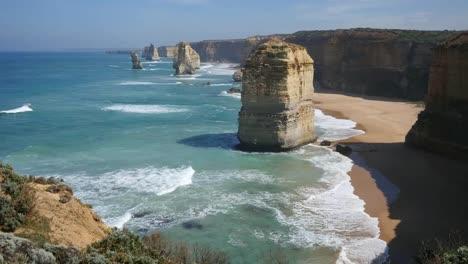 Australia-Great-Ocean-Road-12-Apostles-Waves-Strike-Shore